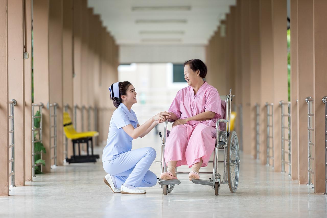LINE@を介護や医療の業界で導入する可能性